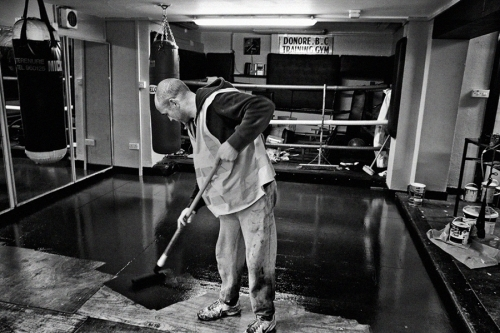 Sean-Burke, a volunteer coach-at-Donore-Boxing-Club-renovates theclubs premises