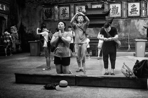 People praying in China