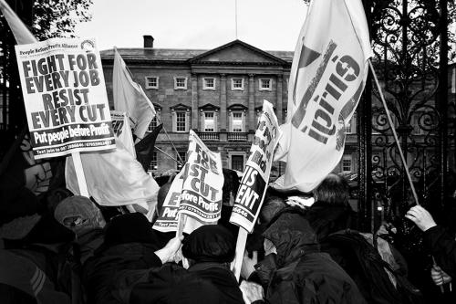 Violent-demonstration-in-front-of-Irish-Parliament, Dublin
